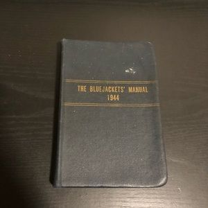 VTG WWII THE BLUEJACKETS MANUAL 1944.
